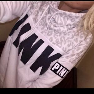 😍rare and htf vs pink leopard cowl neck sweater M